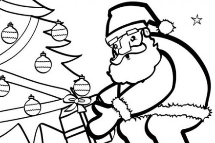 Coloriages-du-Pere-Noel-Papa-Noel-au-pied-du-sapin-a-colorier.jpg